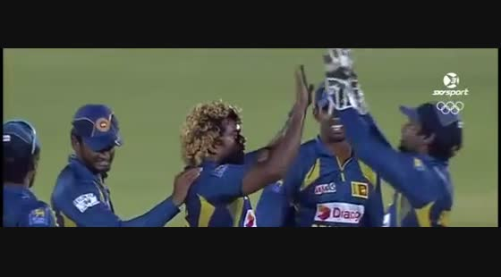 Clarke hits Watson trying to run out Tharanga [Funny]