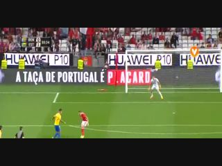 Resumo: Benfica 3-3 Estoril (5 April 2017)